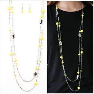 HITTING A GLOW YELLOW NECKLACE/EARRING SET